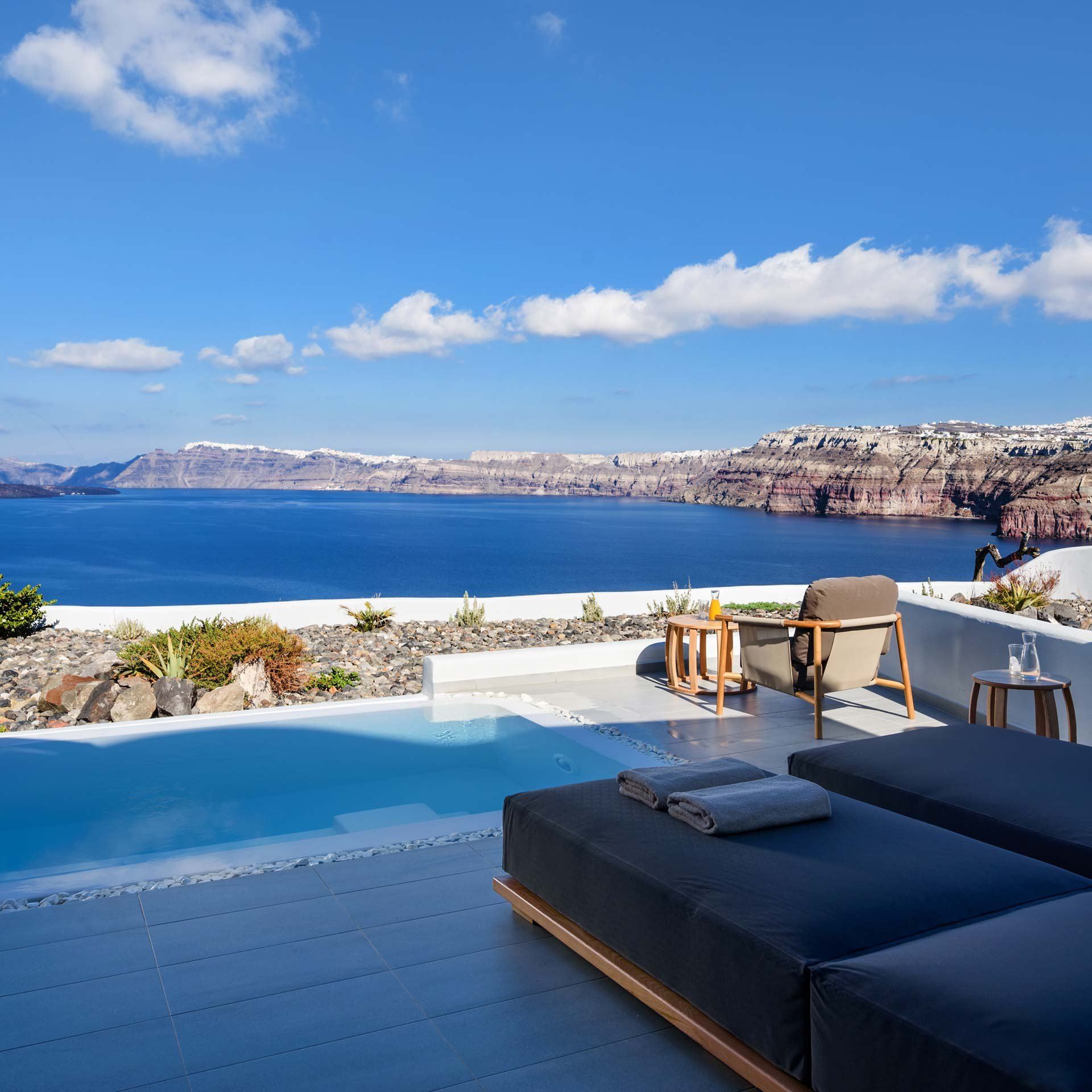 Deluxe Spa Suite - Private pool with Caldera view